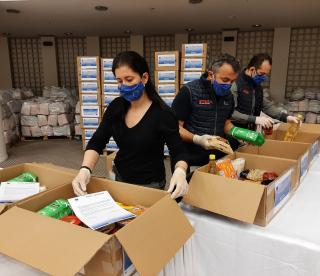 packacing of food parcels